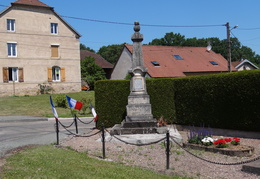 Monument aux morts de Lyoffans (70)